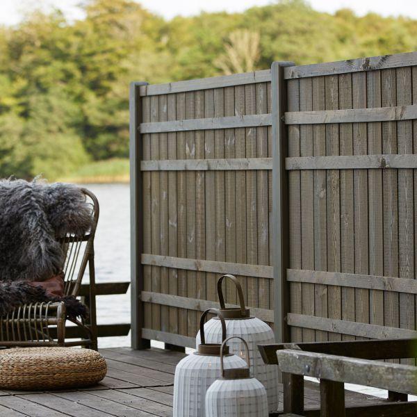 Sichtschutzwand Holz, Rustig taupe