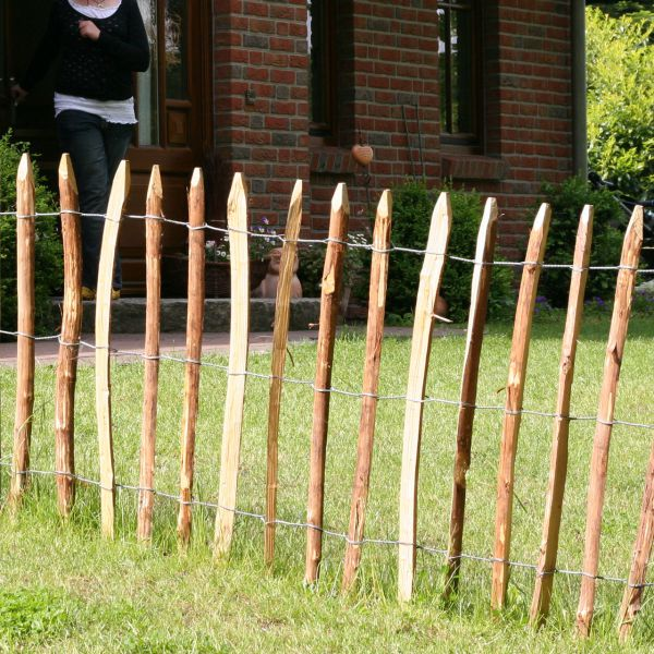 Staketenzaun, Kastanienzaun Normandie, 7-8cm Lattenabstand