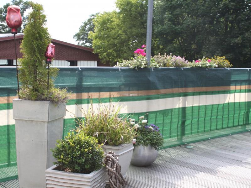 Sichtschutzzaun Aus Kunststoff Gute Alternative Holzzaun , Balkonbespannungen Attraktiver Balkon Sichtschutz